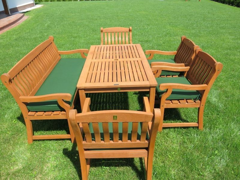Zestaw ogrodowy (4 fotele Edinburgh + stół Dover + 1 ławka + poduchy PREMIUM)
