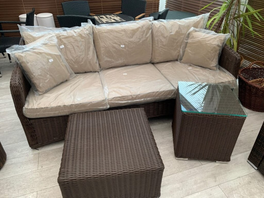 Sofa 3 osobowa z technorattanu z 2 stolikami