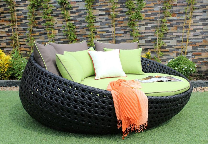leżanka ogrodowa czarna