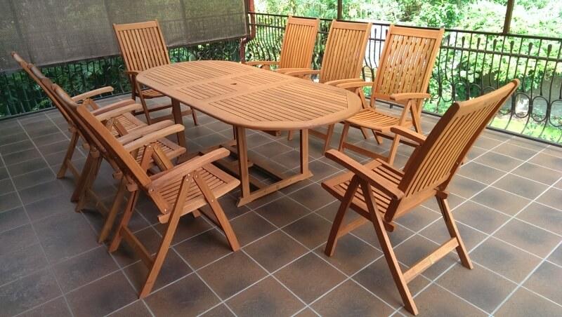 krzesła drewniane ogrodowe